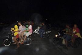 Escenas de miedo en ciudades de Sumatra por el seísmo de 7,9 grados