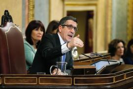 López pone orden tras una trifulca a varias bandas