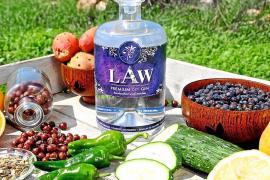 Una ginebra producida en Ca Na Palava, entre las mejores de España