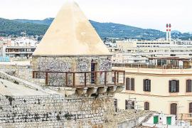 Vila ya sabe cómo eliminar los grafitis de las murallas sin dañar las piedras