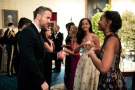La reacción de las hijas de Obama al conocer a Ryan Reynolds se vuelve viral
