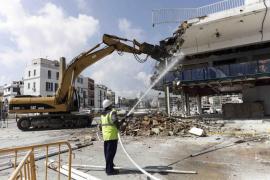 Comienza el derribo de la antigua estación marítima de Vila