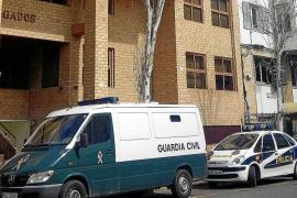 El juez decreta prisión eludible bajo fianza de 2.000 € para el agresor del hacha