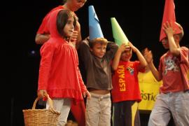 Caperucita Roja aprende a reciclar