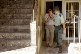 Un vecino de Sant Antoni acuchilla a su mujer en la casa donde ésta cuidaba a una anciana