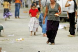 Francia inicia la polémica deportación de gitanos procedentes de Europa del Este