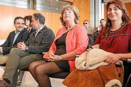 Belén Torres jura su cargo de consellera en sustitución del expresidente Vicent Serra
