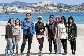 Eivissa mima a periodistas chinos en busca del mercado asiático