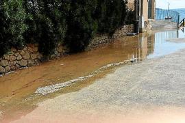 Vila exige a los propietarios de la cañería averiada que paren los bombeos de agua