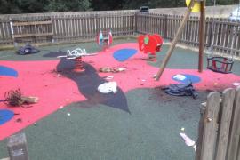 Acto vandálico en el parque infantil de Canyamel
