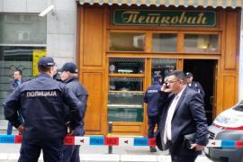 Un hombre se inmola con una granada en una pastelería de Belgrado