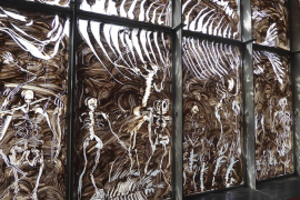 Miquel Barceló ilumina la Bibioteca Nacional de Francia con un mural de cristal y arcilla