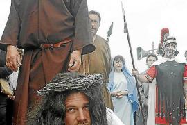 El Vía Crucis de Santa Eulària sigue creciendo