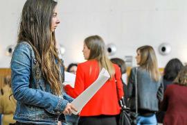 El paro juvenil cayó en febrero en las Pitiüses un 40% respecto a 2010