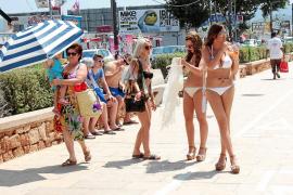Sant Antoni prohibirá el consumo de todo tipo de bebidas en las calles del pueblo