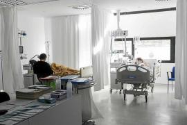 Can Misses habilita la sala de pediatría de Urgencias para atender a pacientes adultos