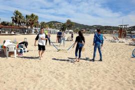 El Ayuntamiento de Vila habilitará una zona sin humo en la playa de Talamanca
