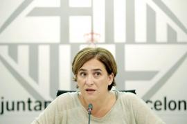Colau replica a De Azúa que la RAE lo citará para definir 'machismo' y 'clasismo'