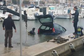 Cae un coche al mar en el Portitxol