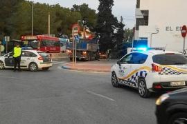 Colapso en un acceso a Sant Antoni por el robo del combustible a un camión