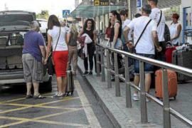 Los taxistas asalariados quieren que se mantenga el 35% de estacionales para ellos