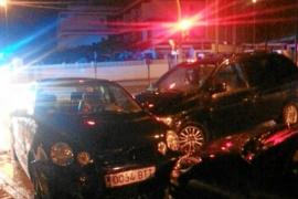 Una conductora da positivo por alcoholemia tras chocar contra 6 coches en Cala de Bou
