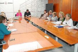 El Consell d'Eivissa entrega las primeras cartas de artesano y los certificados de maestro artesano
