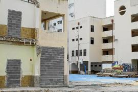 La última fase de la demolición del edificio de sa Graduada está parada