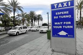 Los ayuntamientos progresistas no piensan ceder a las demandas de los titulares del taxi