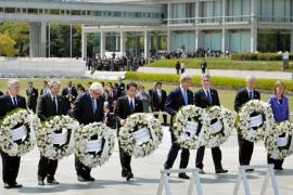 Kerry hace un histórico homenaje a las víctimas de la bomba atómica en Hiroshima