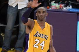 Kobe Bryant dice adiós con 60 puntos y un triunfo para su equipo