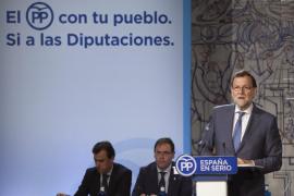 Rajoy ofrece a Sánchez un Gobierno moderado