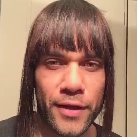 Dani Alves le quita importancia a la derrota del Barça con un cómico vídeo