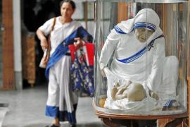Miles de devotos celebran hoy el centenario de la madre Teresa de Calcuta