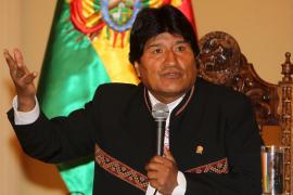 Evo Morales regala al Papa tres libros sobre la coca y le recomienda tomarla