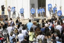 Cerca de 2.000 formenterenses protestan por el cambio de la estación marítima de Eivissa