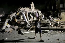 Ecuador se moviliza para afrontar la catástrofe por el terremoto