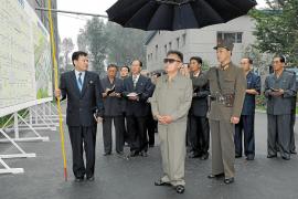El líder norcoreano, Kim Jong-il, busca en China apoyo para su sucesión