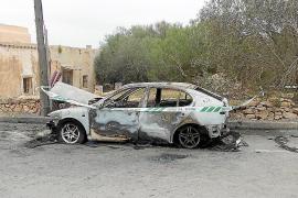 La Guardia Civil investiga el incendio de un vehículo en Formentera