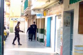 El detenido permanece dentro de la vivienda ubicada en Son Gotleu