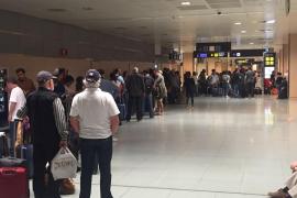 Más de un centenar de afectados por una nueva cancelación de Vueling en Eivissa