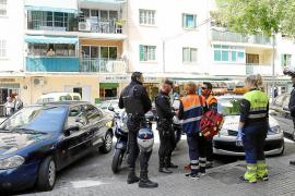 La familia del joven arrestado recibe asistencia médica tras el 'shock'