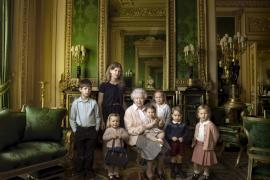 Isabel II cumple 90  años sin grandes festejos