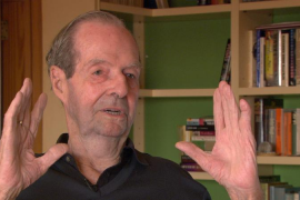 Fallece Guy Hamilton, director de los filmes «más relevantes» de la saga James Bond