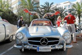 25 coches de museo por las carreteras pitiüsas