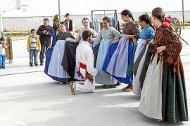 El colegio público Sant Antoni dedica su fiesta cultural a Eivissa