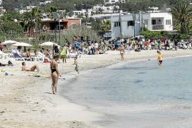 Vila abrirá hoy un baño público en Talamanca tras las quejas de los restaurantes y vecinos