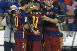 El Barcelona no falla ante un Betis que jugó casi una hora con diez
