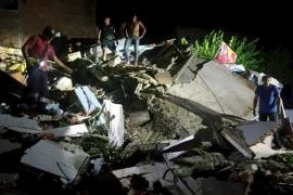 Rescatan a un hombre de 72 años trece días después del terremoto de Ecuador