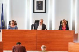 Vila replica las críticas de Podemos y niega tener pisos sociales vacíos